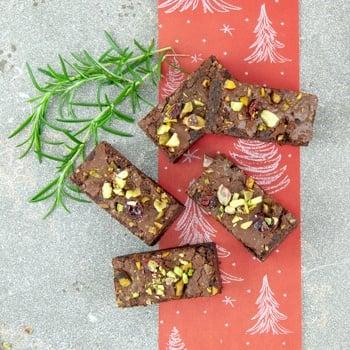 Chocolate, pistachio & cranberry brownie