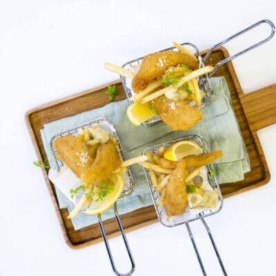 Fish n chips in fryer baskets, lemon & parsley tartare