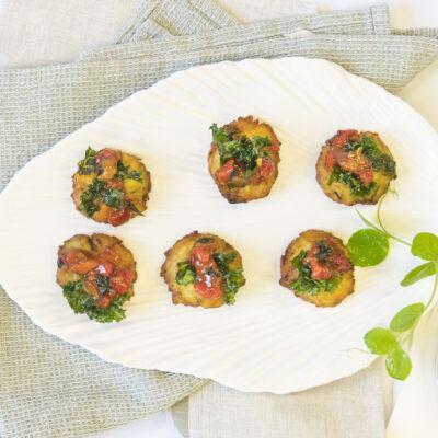 Potato rosti, tomato & red pepper relish, crispy kale