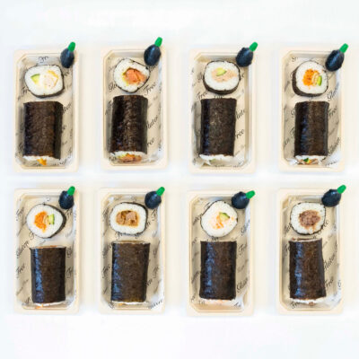 Sushi roll & soy sauce