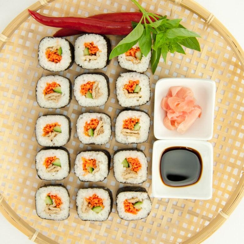 Tofu & vegetable sushi, soy sauce